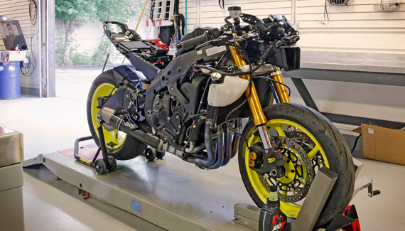 Yamaha R6 being setup for racing